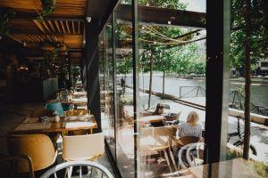 Restaurantele cu vedere spre lac, oazele de calm și rafinament culinar ale Capitalei