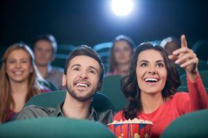 Se redeschid peste 100 de săli de cinema. NU la noi