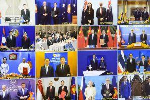 La Hanoi, s-a semnat cel mai mare acord de liber schimb din lume