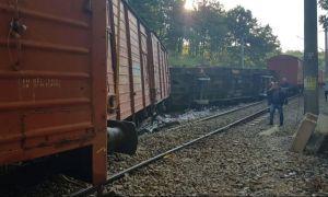 DEFECȚIUNE pe calea ferată: Două trenuri de călători sunt OPRITE în județul Mehedinți