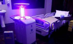 Spitalele europene vor primi ROBOȚI pentru dezinfectarea saloanelor