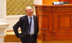 """Băsescu critică DEMISIILE PSD și USR: """"E culmea lichelismului politic"""""""