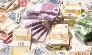 Arad: Aproximativ 300.000 de euro ar fi fost furați din casa unei bătrâne, de către o persoană mascată