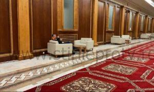 UPDATE. Ministrul Sănătății, Vlad Voiculescu, surprins fără mască pe față pe holurile Parlamentului