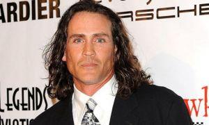 Actorul care l-a jucat pe TARZAN în anii '90, mort într-un accident de avion