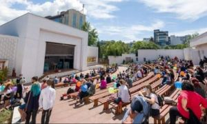Teatrele cer modificarea condițiilor de ACCES la evenimente
