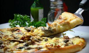 Medic: organismul reacţionează la alimentele fast-food ca la o INFECȚIE