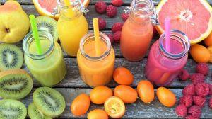 PERICOLUL dintr-un pahar cu suc natural, din fructe