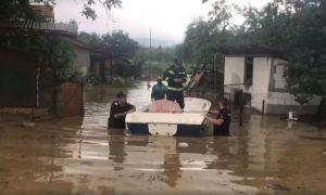 AJUTOARE de la stat pentru românii afectați de inundații. Anunțul premierului