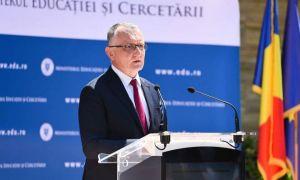 """Ministrul Educației promite: """"CORECTAREA la examene va fi digitalizată"""""""