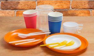 Produsele de plastic de unică folosință, interzise la comercializare în UE, din 3 iulie. Care este situația în România