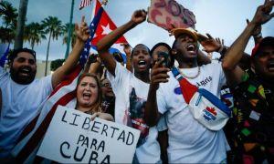 Protestele din Cuba iau amploare: Guvernul a restricționat accesul populației la rețelele de socializare