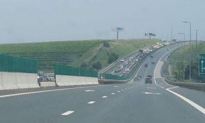 Trafic îngreunat pe Autostrada Soarelui. Accident grav cu două mașini