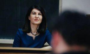 Violeta Alexandru, ironică la adresa lui Florin Cîțu: Prima condiţie ca să fii lider e să îţi placă oamenii. Să nu vii doar să îţi faci o poză sau să te urci pe scenă
