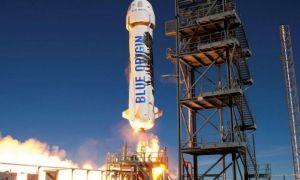 Jeff Bezos, patronul Amazon și cel mai bogat om lume, a revenit în siguranță la sol după zborul spațial Blue Origin