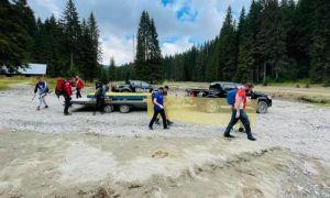 În lipsa banilor de la Guvern, salvamontiștii din Bucegi au REPARAT singuri podurile distruse de viituri
