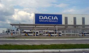 Dacia oprește producția la Uzina de la Mioveni