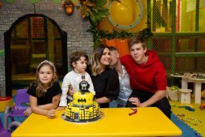 Ela Crăciun lansează, de ziua fiului său, un PROGRAM special de parenting