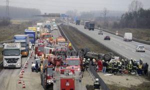 Microbuz românesc, implicat într-un CARAMBOL în Ungaria cu cinci morți