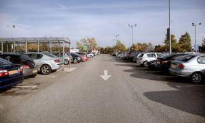 Cum a fost jefuit un deputat PSD în parcarea unui supermarket din Capitală